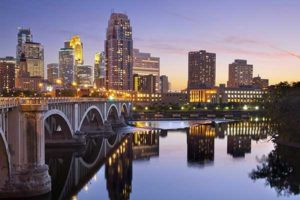 Minneapolis,Minnesotais the second largest economic center in the Midwest.