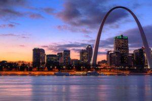 Missouri factoring companies help businesses improve cash flow.