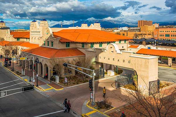 New Mexico factoring companies help businesses improve cash flow.